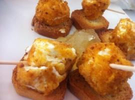 Queso de Cabra frito con cebolla caramelizada